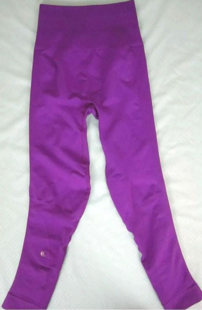 Lululemon zone in tights size 4 crop