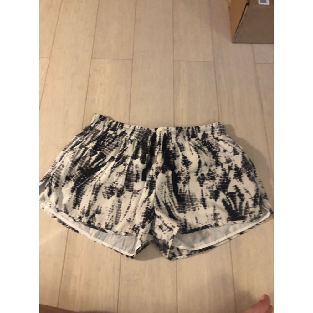 Joie Black And White Patterned Soft Shorts
