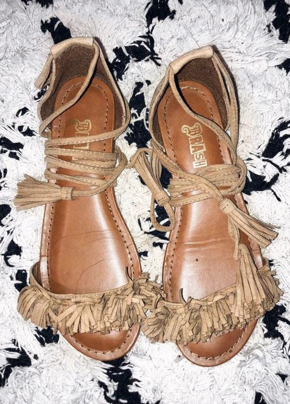4b31a2a17733 We re the buy sell app for cute clothes