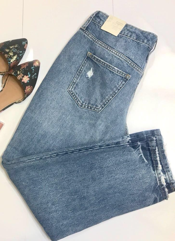 Universal Thread High-rise Straight Medium Wash Jeans