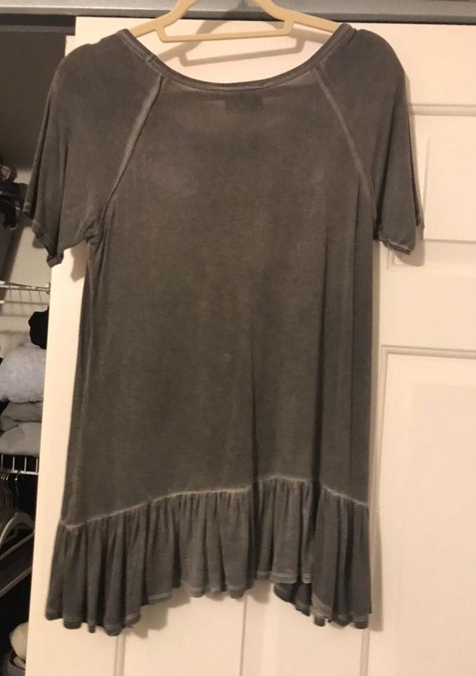 Grey top