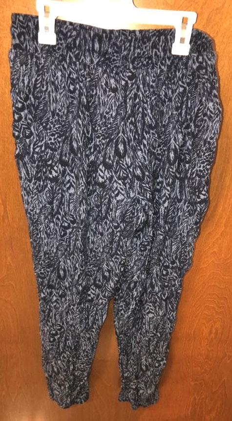Aeropostale Flowy Patterned Pants