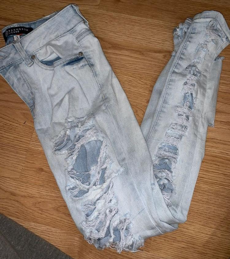 Boom Boom the Label Ripped Light Jeans