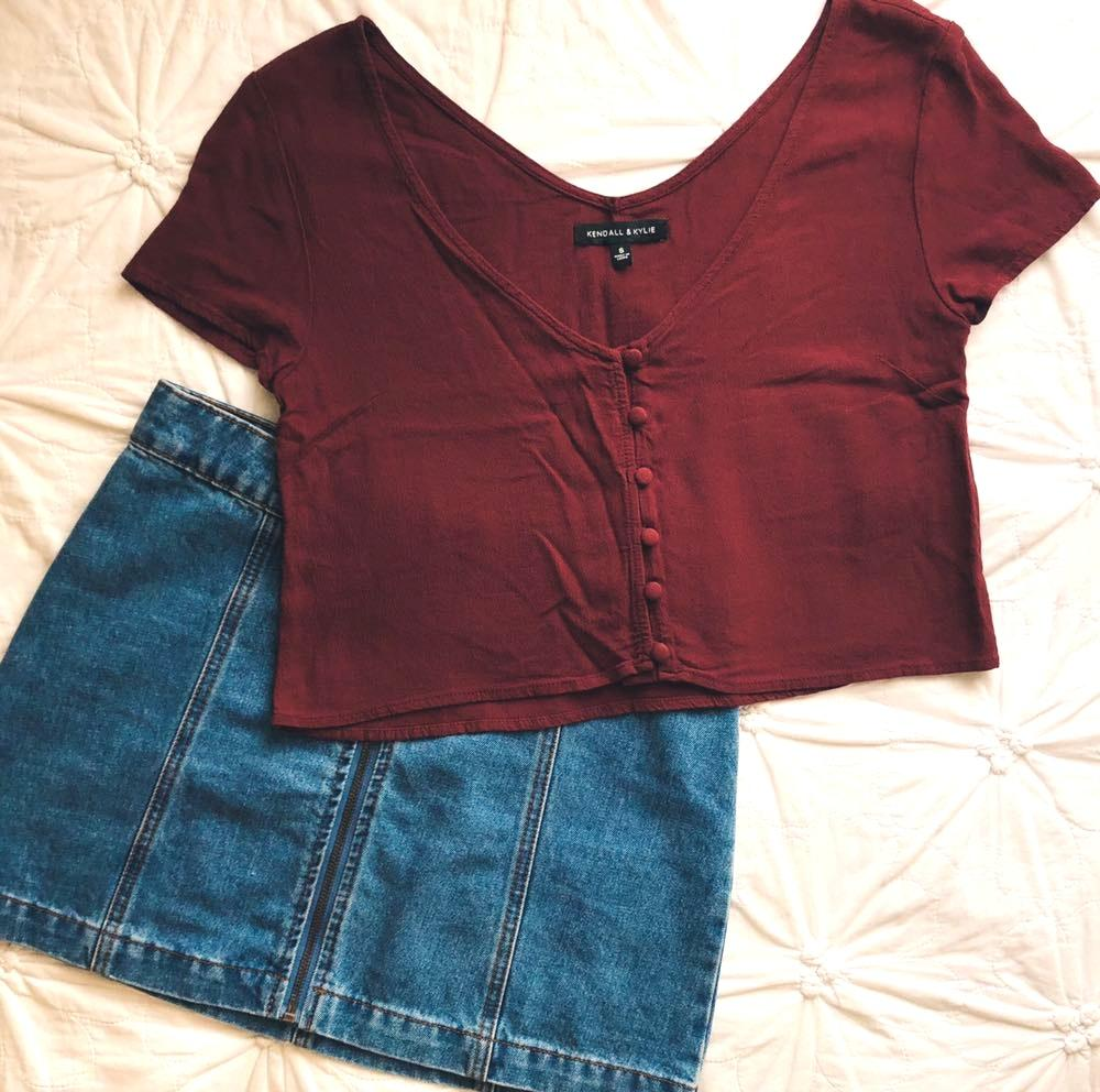 Kendall & Kylie Crop Top With Buttons