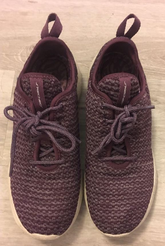 Skechers purple sketchers tennis shoes