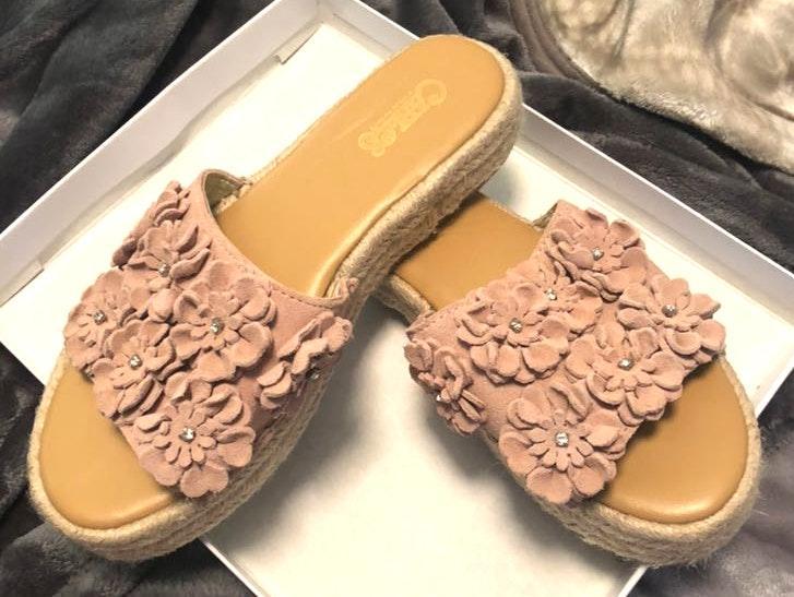 Carlos Santana Pink Slide-On Sandals