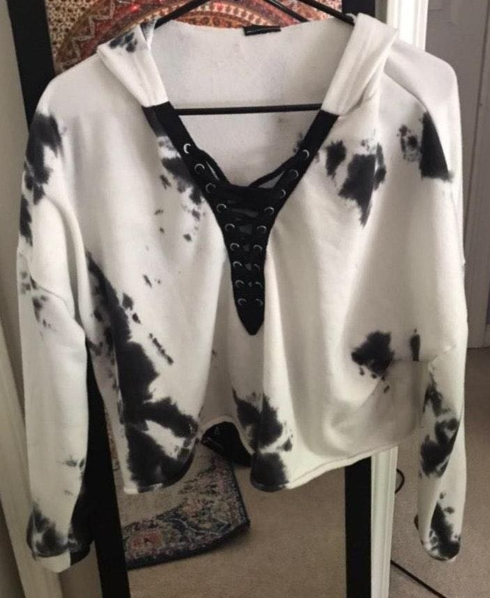 Rue 21 Black And White Lace Up Cropped Hoodie