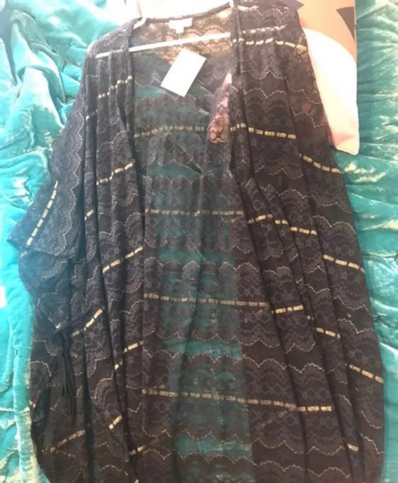 Boutique Black And Gold Kimono