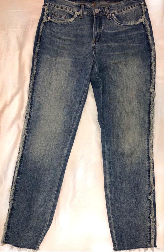 BLANK NYC Frayed Hem Skinny Jeans