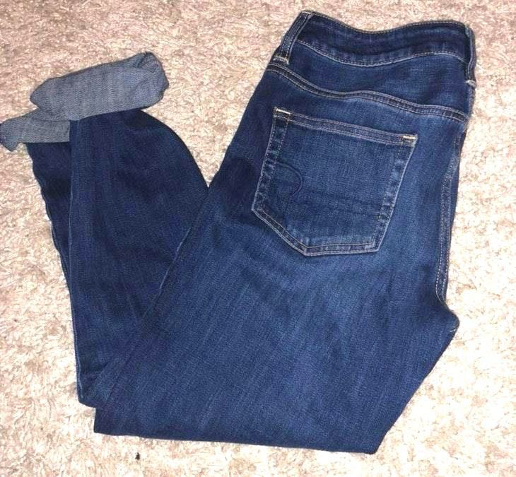 American Eagle Outfitters Crop Jeans