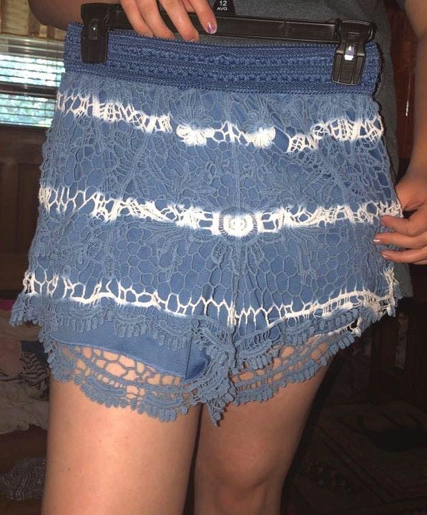 Rue 21 White & Blue Shorts
