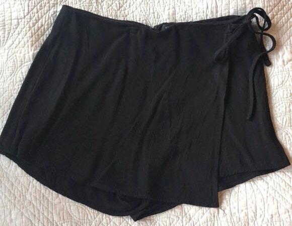 Kendall & Kylie Black Skort