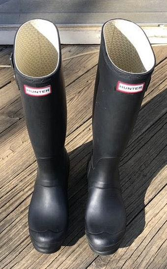 Hunter Lightly Used  Boots