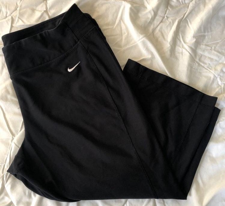 Nike Wide Leg Dryfit Capri