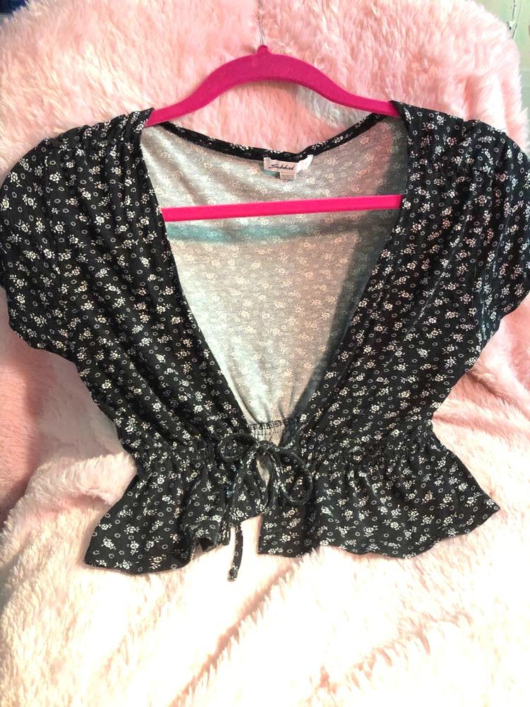 Brandy Melville subdued Tie Top!