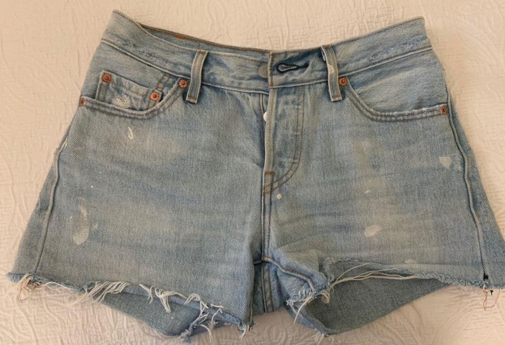 Levi's Jean Cut-off Shorts