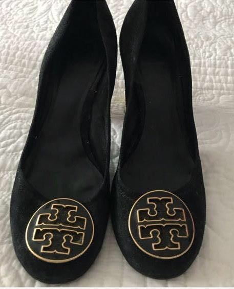FINAL SALE Tory Burch Closed toed black suede with signature logo