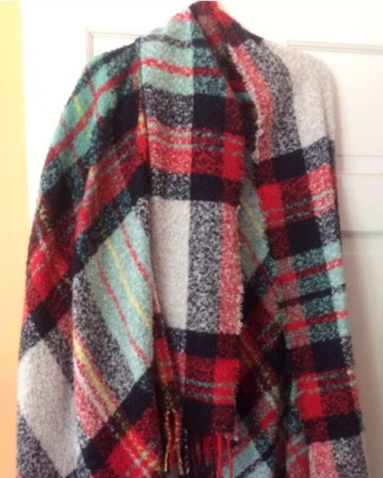 American Eagle Outfitters Plaid Knit Scarf Wrap