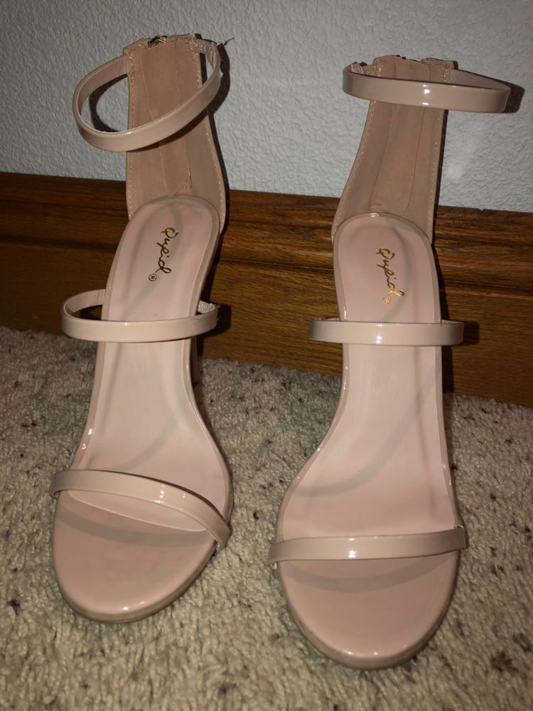 Womens Nude Heels Size 7- Brand New