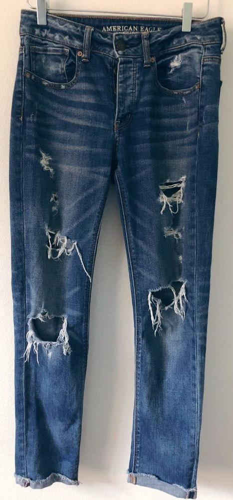 American Eagle Outfitters Tomgirl Jeans Great Condition Distressed