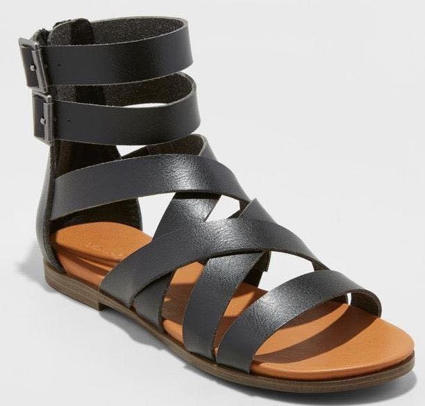 Universal Thread Black Target Sandals