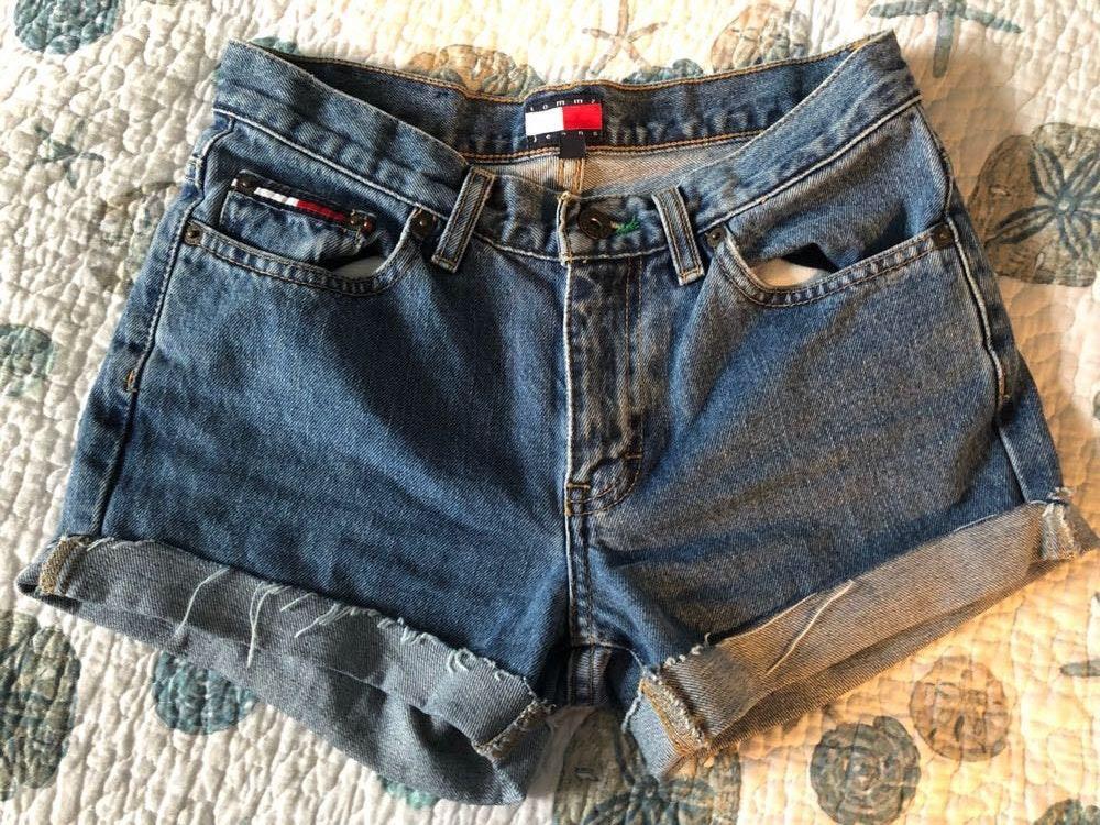 Tommy Hilfiger denim cut off shorts