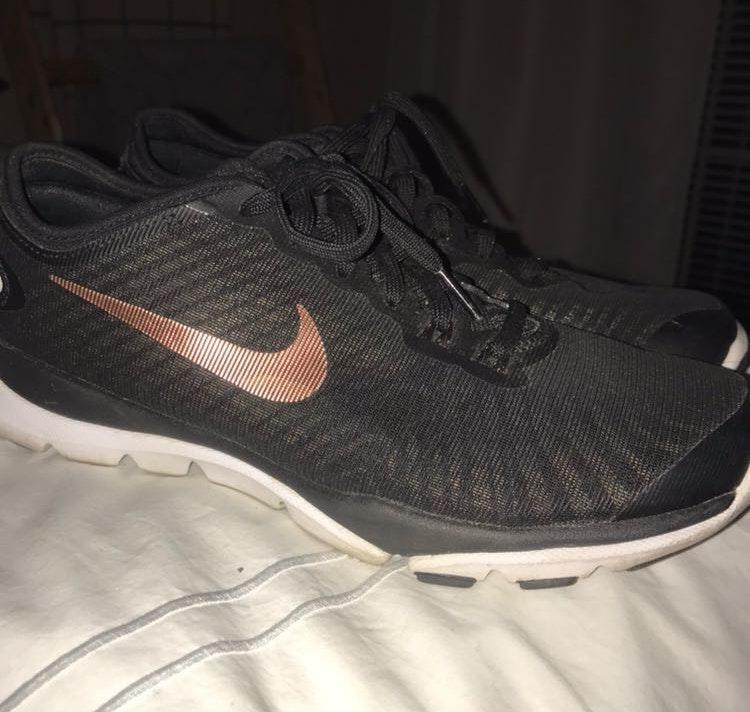 7117449b1f6 We re the buy sell app for cute clothes. Say to being bored of your  clothes. Home Nike Black And Rose Gold Sneakers