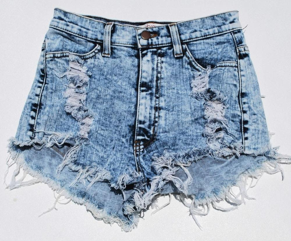 Vibrant M.I.U Distressed Denim Shorts Size Medium