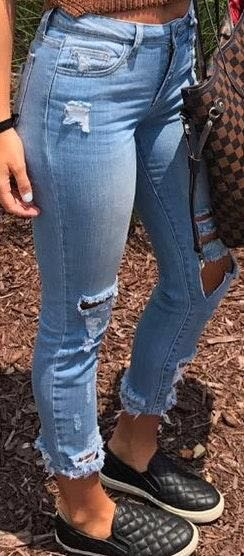 Pello Jeans Distressed Skinny Jeans (size 3)