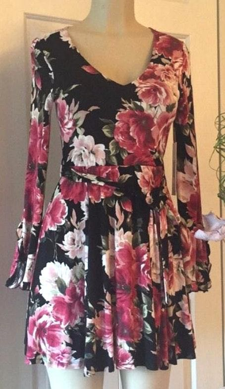 Emerald Sundae New   floral dress fit on M