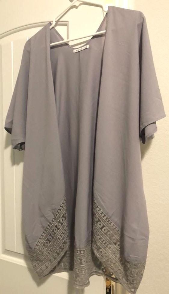 Amazon Grey Kimono