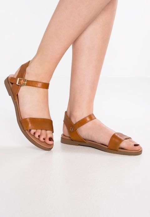 """Steve Madden Tan  """"Dina"""" Sandals"""