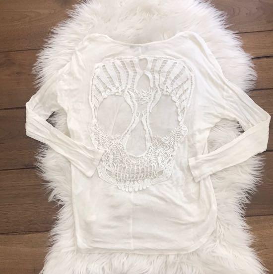 Solemio Crochet Skull Cut Out Long Sleeve