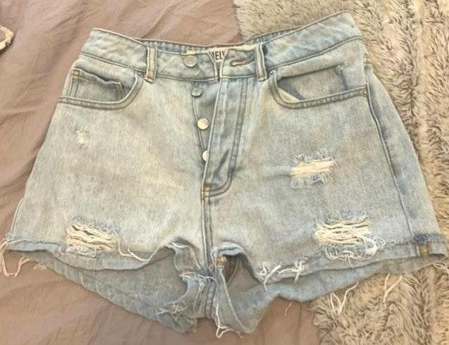 Brandy Melville Light wash Denim Shorts