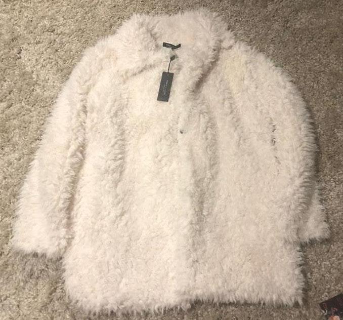 Romeo + Juliet Couture Faux Fur Cream Coat
