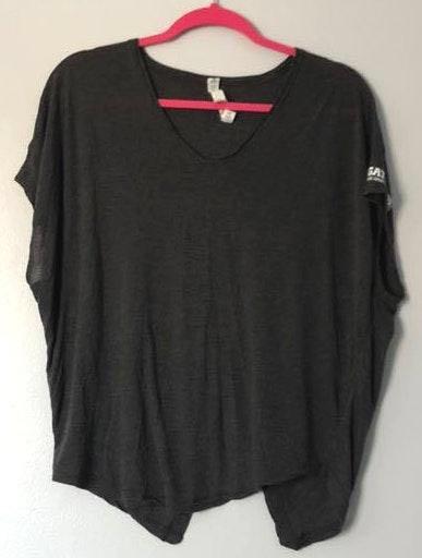 Lululemon Dark Grey Gatorade Top