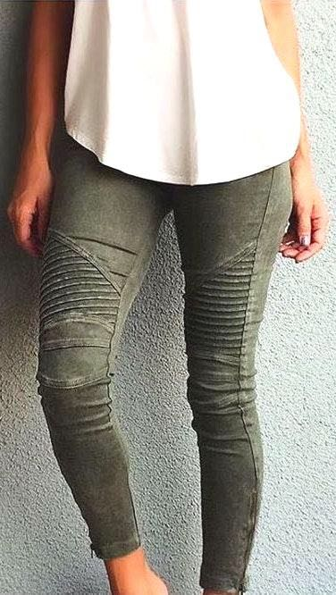 Beulah olive green jeans