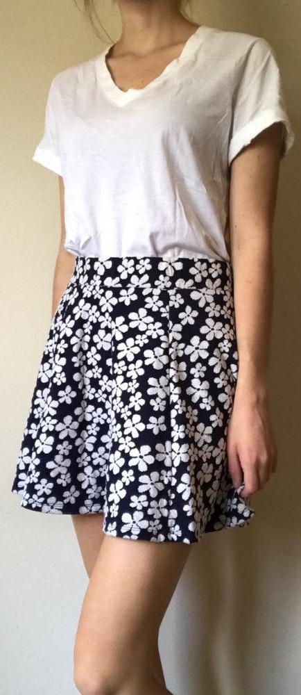 Divided Floral Mini Skirt