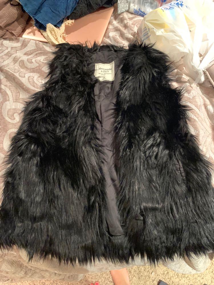 Abercrombie & Fitch Black Furry Vest