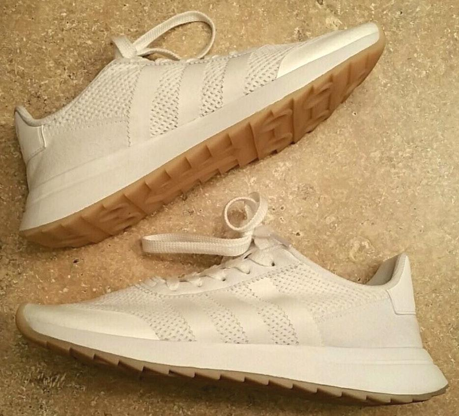 Adidas White  Tennis Shoes I'm Great Condition