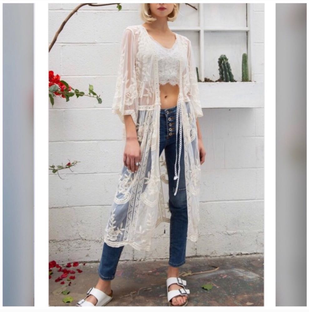 POL Sheer Lace Embroidered Kimono Duster