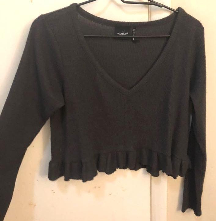 Urban Outfitters Crop dark grey long sleeve