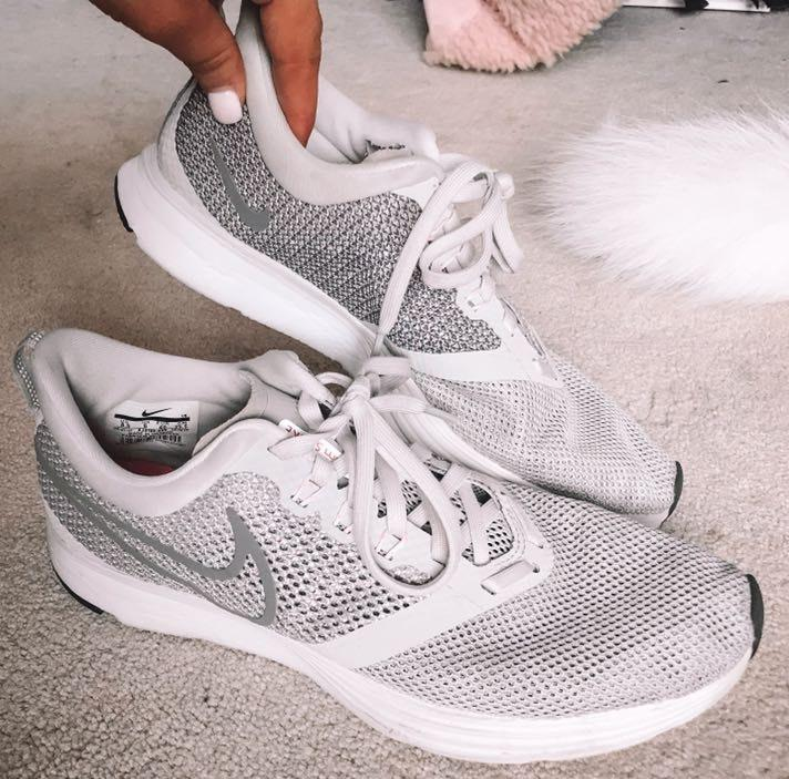 Nike Grey and Pink  Tennis Shoes