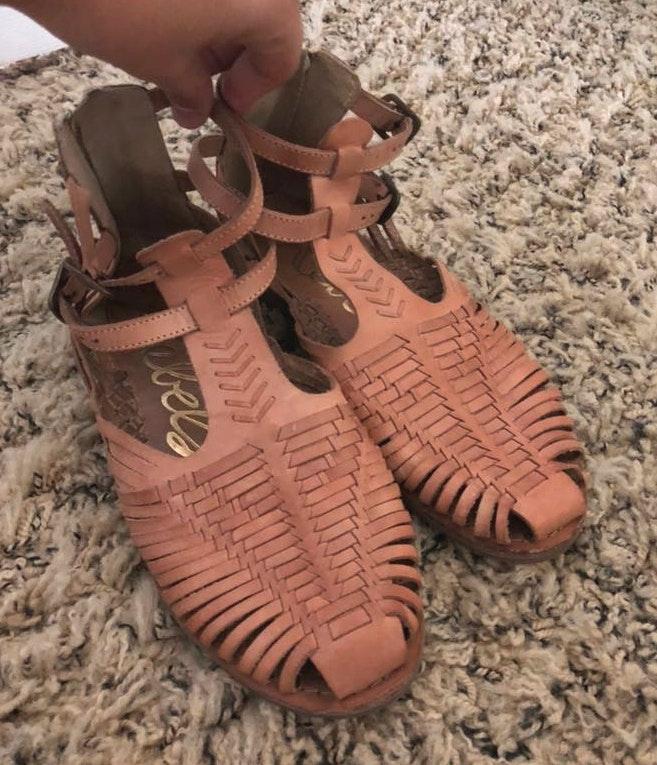 393a80008 Boutique sandals