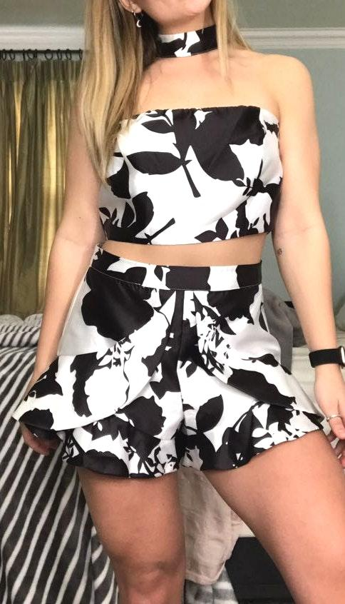 L'ATISTE 2 Piece Black And White Set