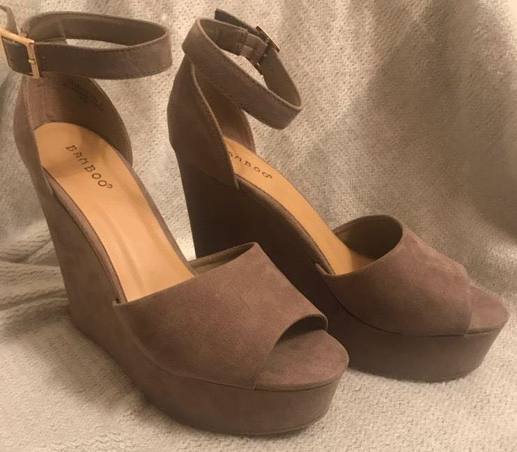 Bamboo Light Brown Wedges