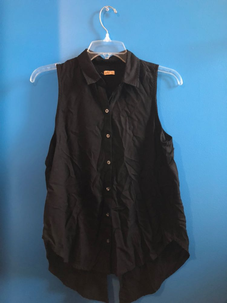 c72bb0c52d1a6 We re the buy sell app for cute clothes. Say to being bored of your  clothes. Home Hollister Black Collared Button Down Tank Top