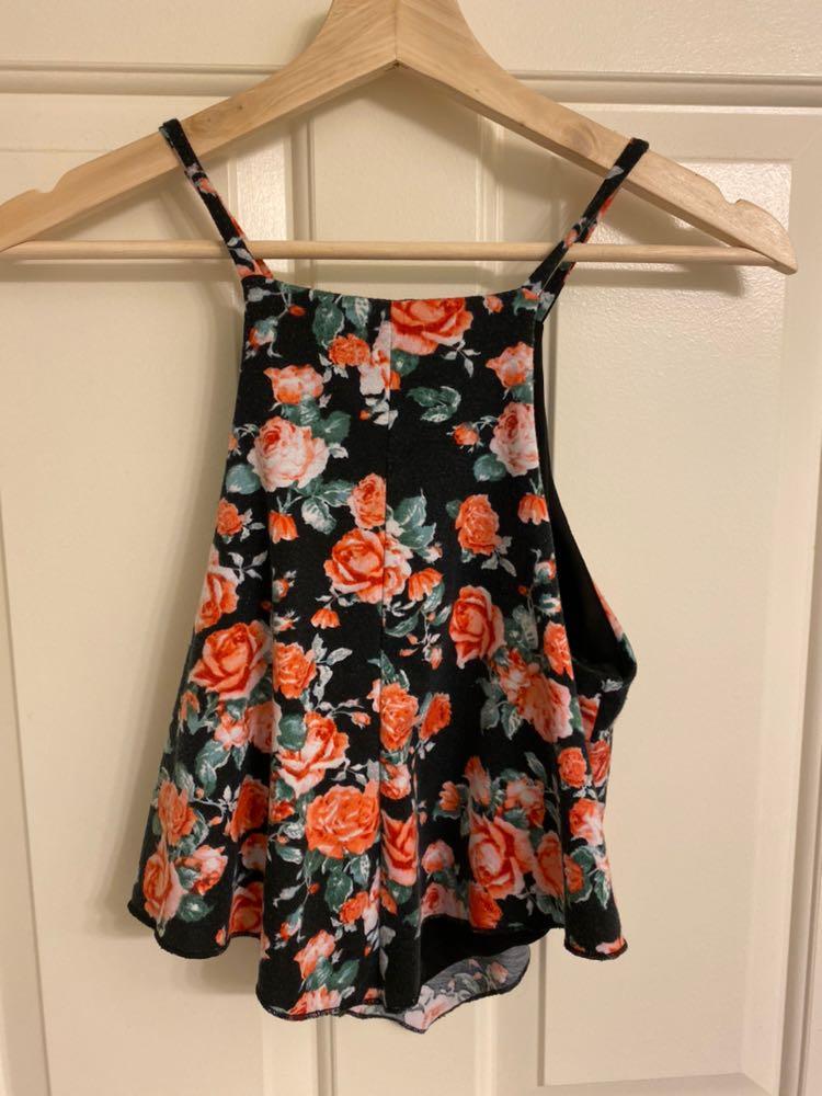 Charlotte Russe Floral Flowy Crop Top