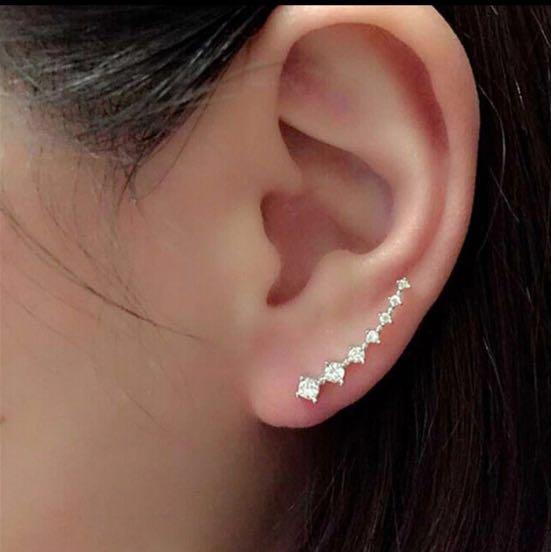 NWT Rhinestone Stud Earring